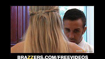 Darcy Tyler dai capelli dorati al seno ricatta il suo partner superlativo