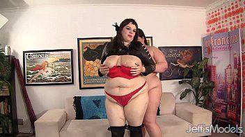 Dois gordos lez fora